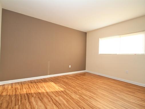 104.5 F Living Area.jpg