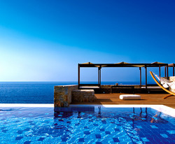 13495_radisson-blue-beach-resort-crete_81618_edited