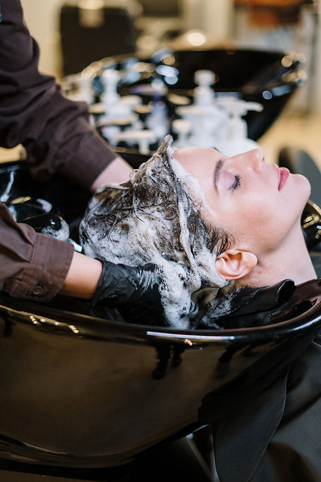 person-washing-woman-s-hair-3993449.jpg