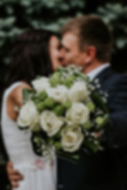 blurred-background-bouquet-bridal-948185
