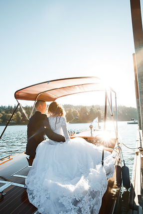 boat-bride-couple-1439261.jpg