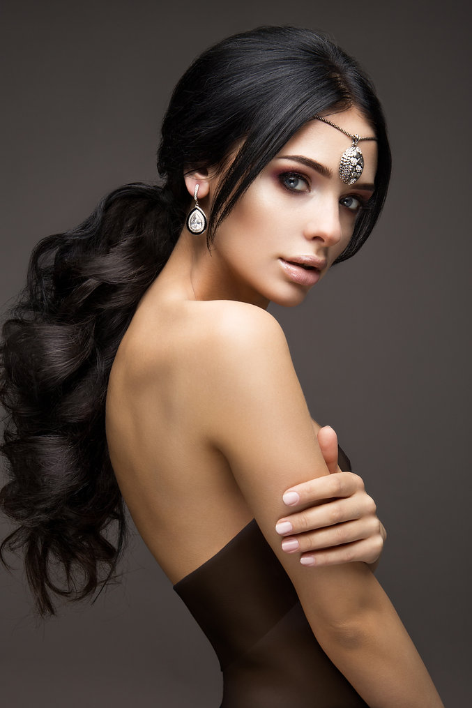 beautiful-model-brunette-with-long-curle