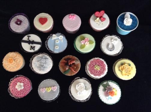 wedding cupcakes 1.JPG