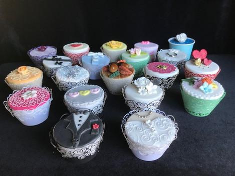 wedding cupcakes 2.JPG