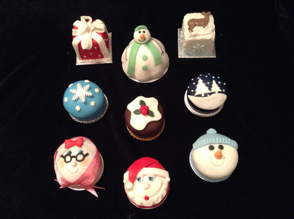 xmas cupcakes.JPG