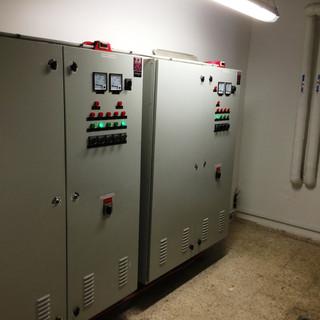 לוחות חשמל.JPG
