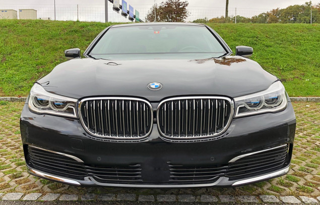 BMW 740LD FRONT
