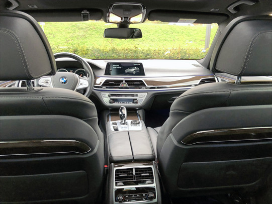 BMW 740LD INSIDE