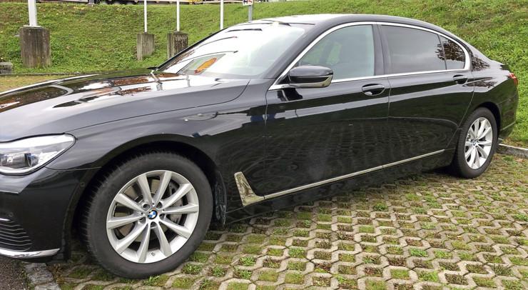 BMW 740LD SIDE