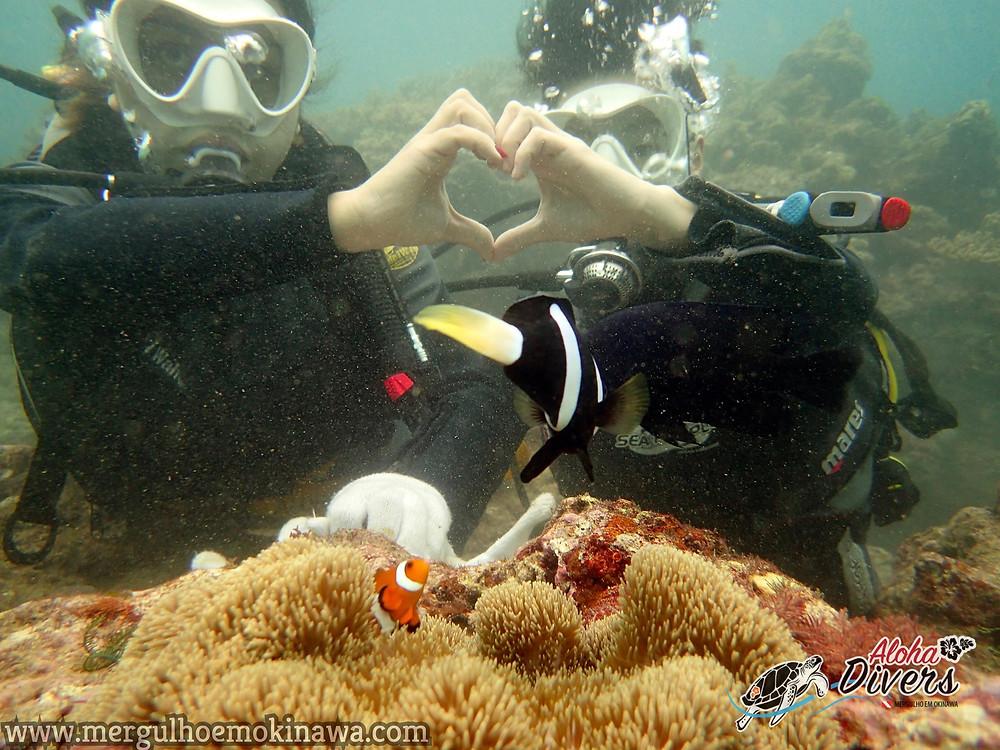 Casal de Brasileiros em Okinawa - Aloha Divers Okinawa - Mergulho em Okinawa