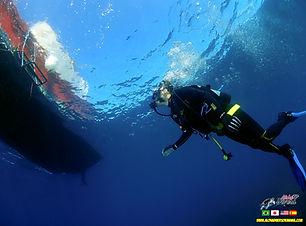 Boat Diving - Aloha Divers Okinawa