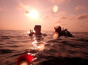 Mergulho no Por do Sol - Pai e Filha Mer
