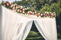 Johanna Langer Weddings Dekoverleih Hochzeitsdekoration Heiraten im Schloss Baldachin Dekoverleih