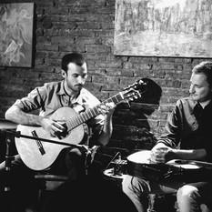 Junto a Alejandro Starosielski en Café Vinilo