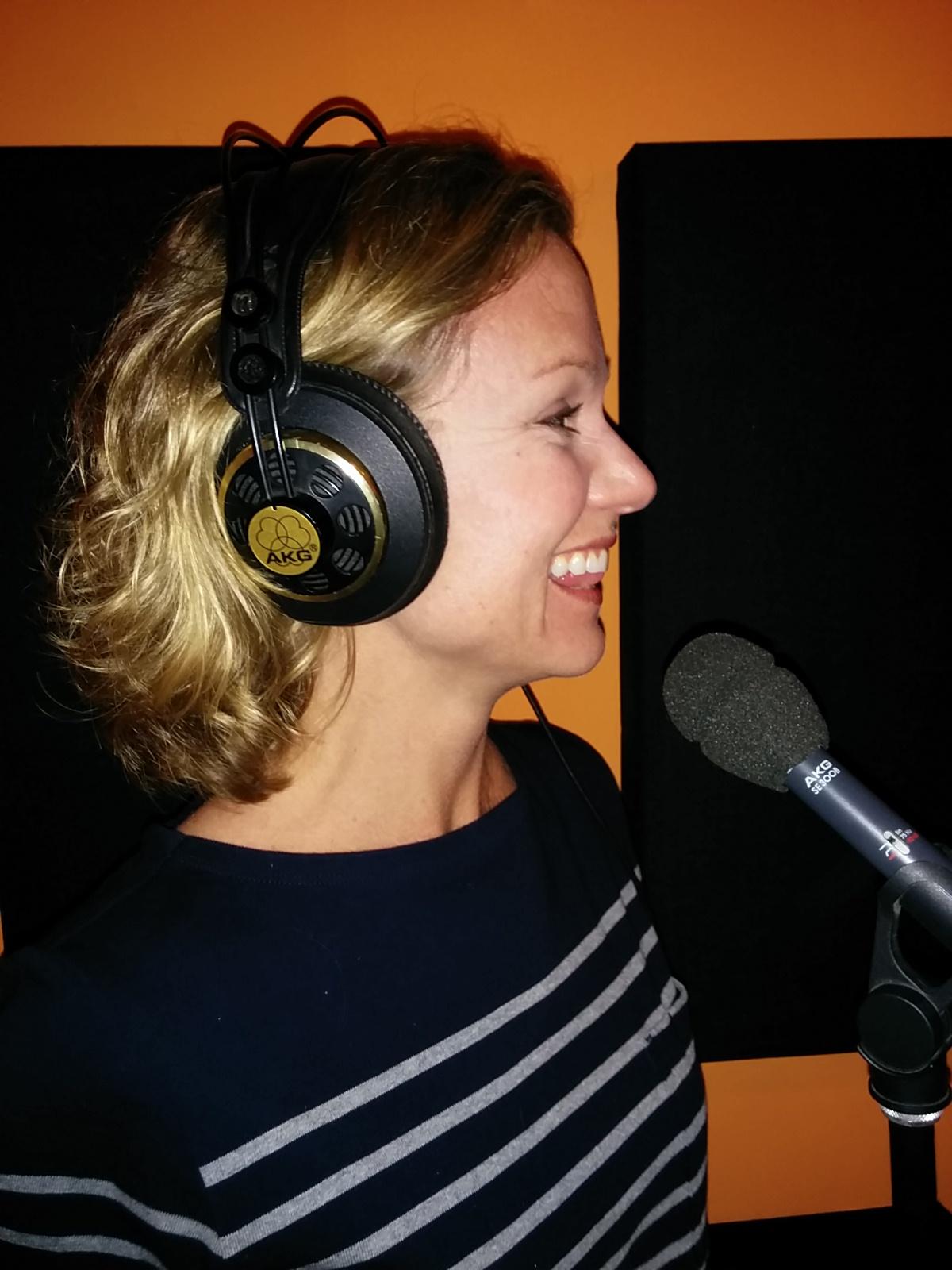 Michelle Dunker, Actress-Singer
