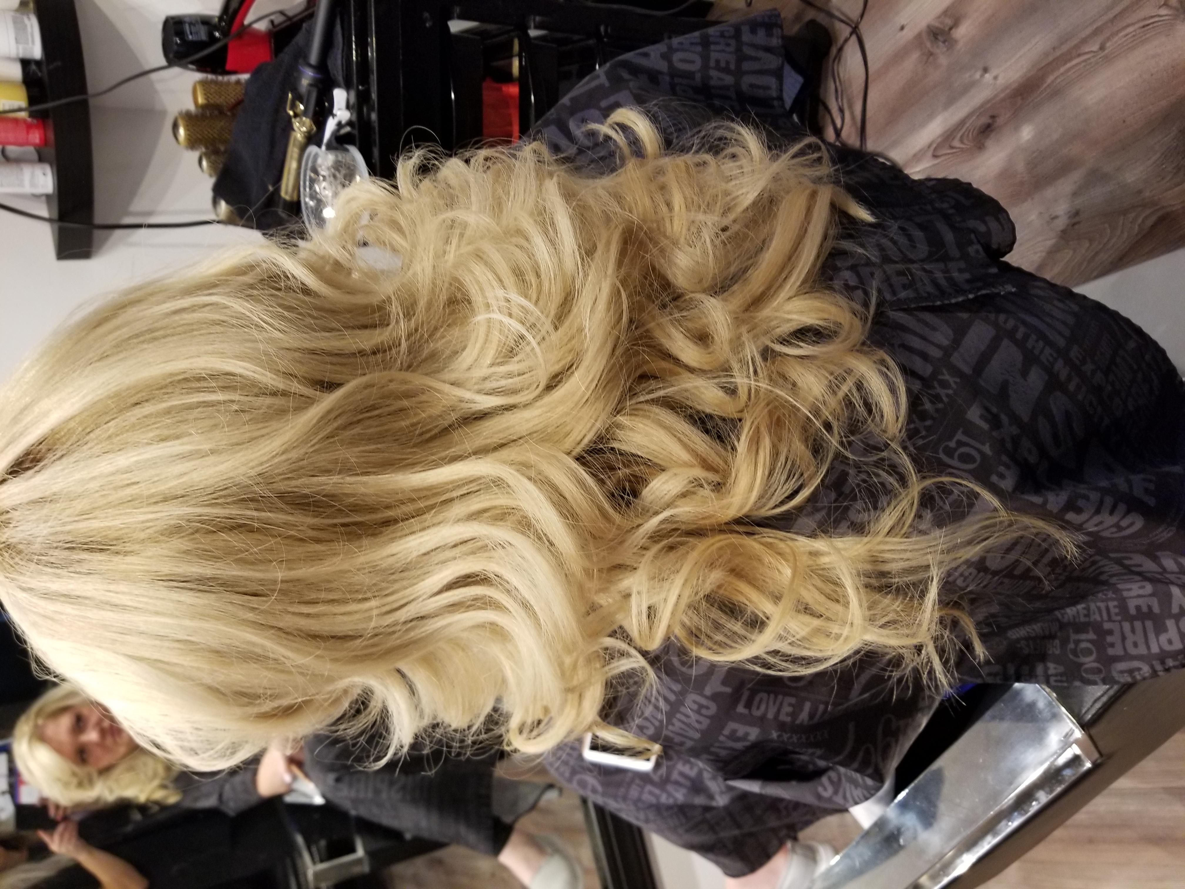 Blow Dry & Curls