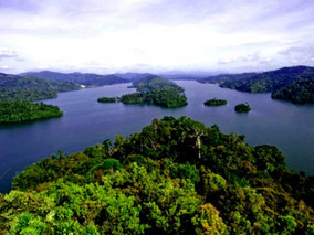 Steps needed to enable tourists to visit natural heritage sites without causing environmental damage
