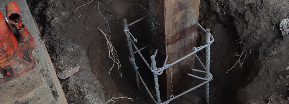Concrete steel footing