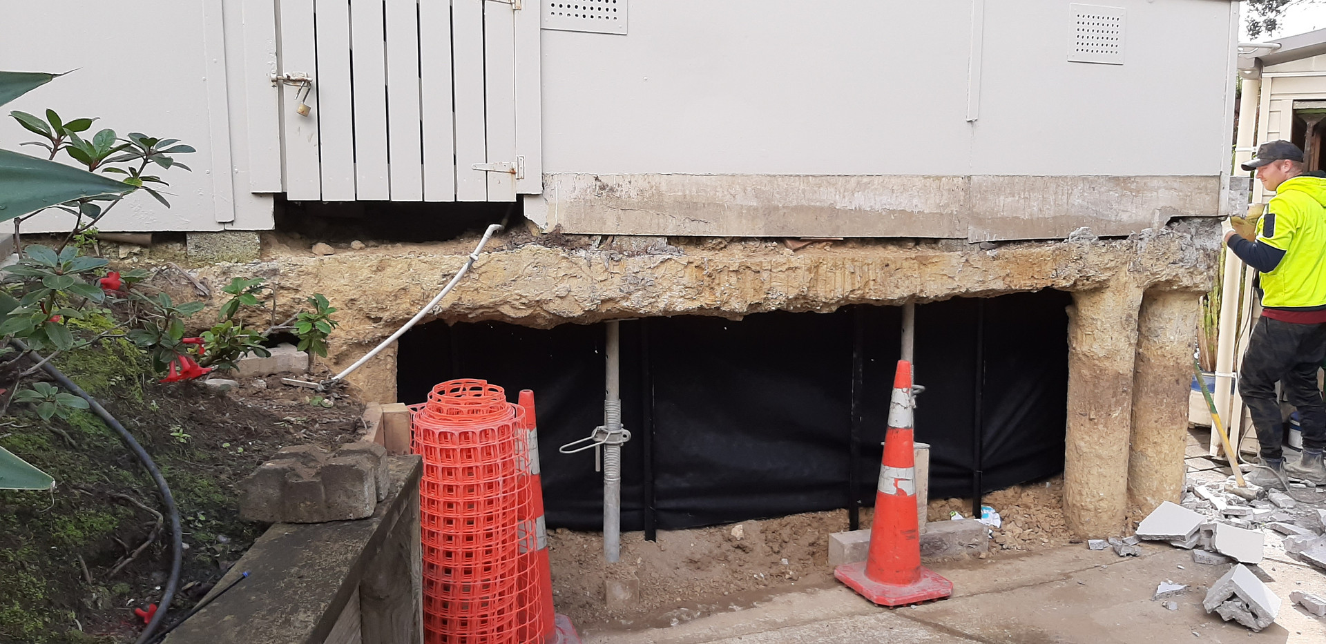 Underpin/ bond beam repair