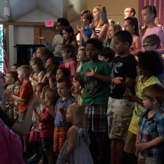 kids sing church.jpg