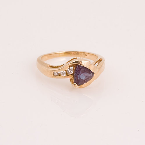 Consignment 14k Chatham Alexandrite band CC-0186