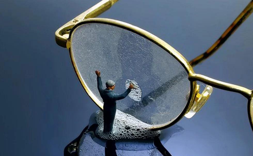Onderhoud bril / Bijvullen flesje