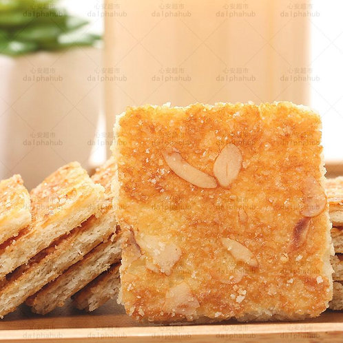 Nut crackers (Almond/Walnut/Cashew) 达利园好吃点核桃/杏仁/腰果饼108g