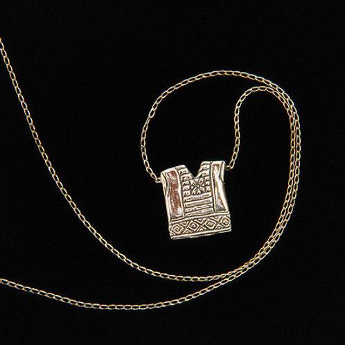 Huipil: collar de plata