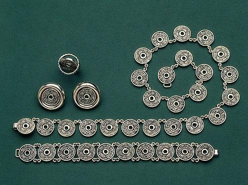 Flor, juego de collar, pulsera,aretes y anillo de plata