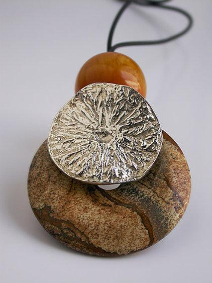 Disco limón: pendiente de plata y piedras