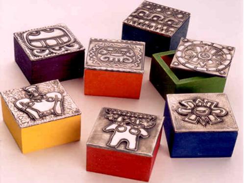 Caja Prehispánicas susrtidas