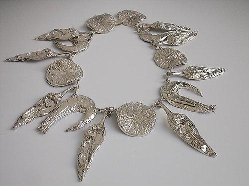 Ceviche: collar de plata