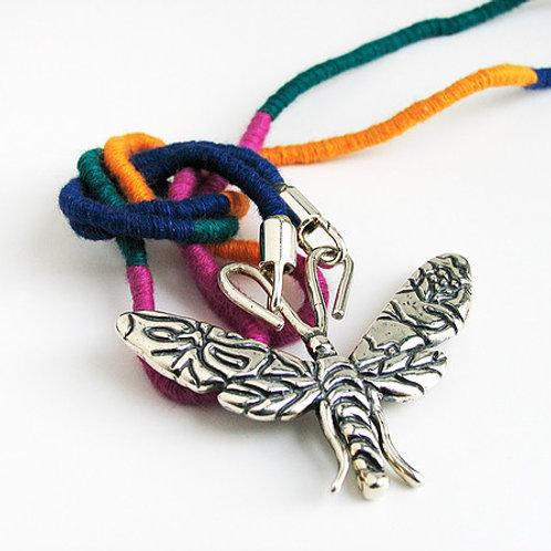 Mariposa oaxaca: collar de una línea y pulsera de plata