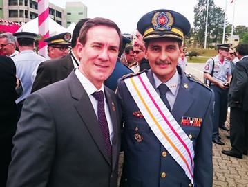 Coronel Camilo participa da cerimônia de posse do novo Comandante do Corpo de Bombeiros