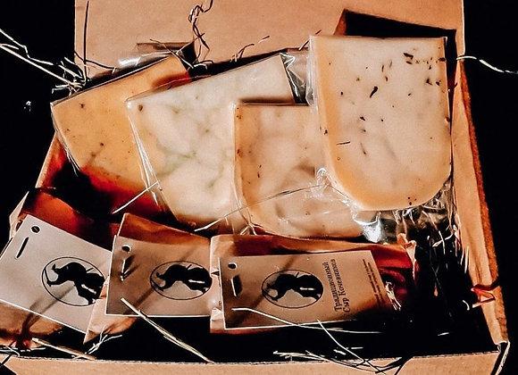 """Сырный набор """" Другие сыры"""",650 грамм"""