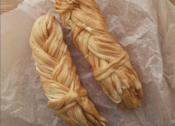 Копченый сыр косичка (чечил), 1 шт