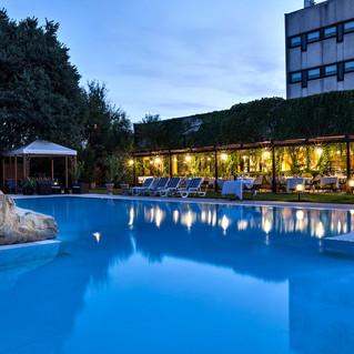 Piscina Esterna e Ristorante Hotel Saccardi