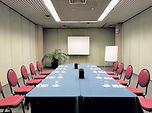 Sala 3 tavolo unico_frontale.jpg