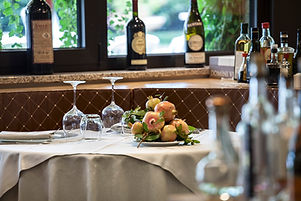 Hotel Saccardi sala pranzo_tavolo_MG_609