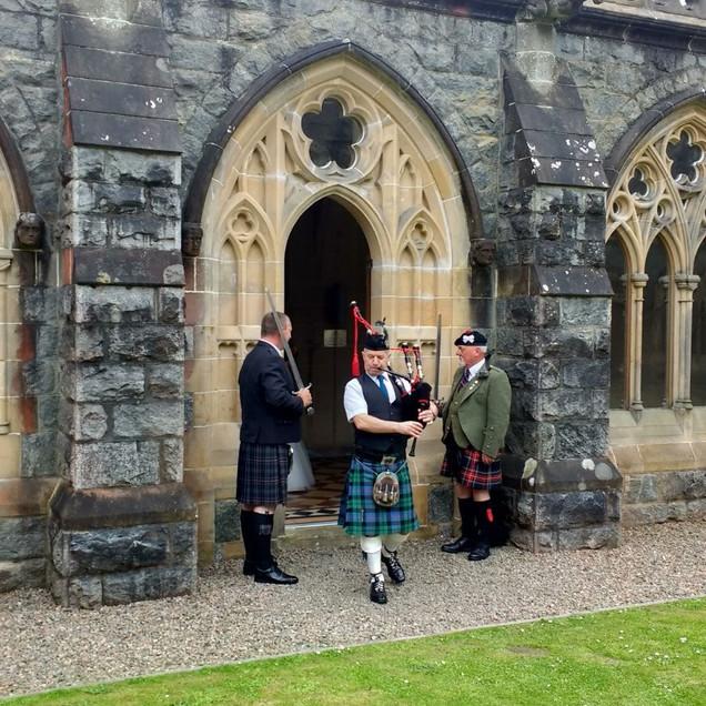 Wedding piper at The Highland Club