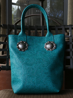 Tote with Conchos