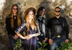 Alice Wallace & band