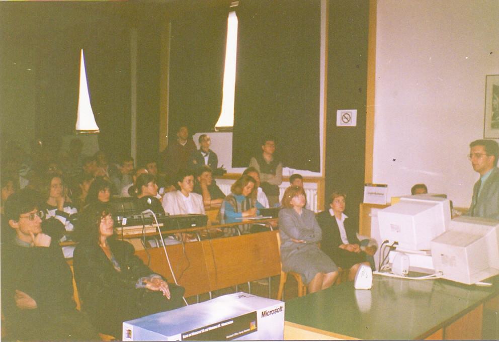 Даниел Даниловски со предавање за Microsoft Windows 95