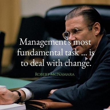Роберт Мекнамара за менаџментот и промените