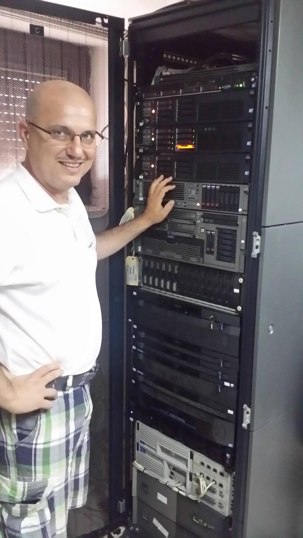Венко Глигоров со серверскиот систем