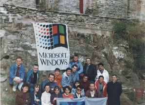 Delegates At A Seminar On Windows Chicago
