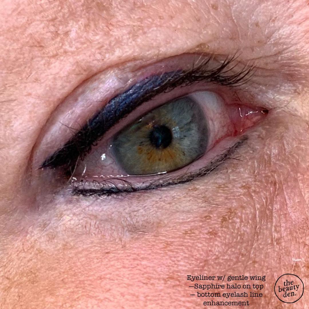 eyeliner w navy zoom.JPEG