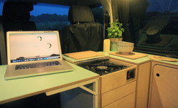 5 work station and cooker