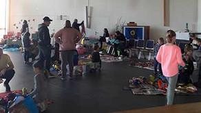 Spiezlzeugbörse: Kinder als Verkäufer