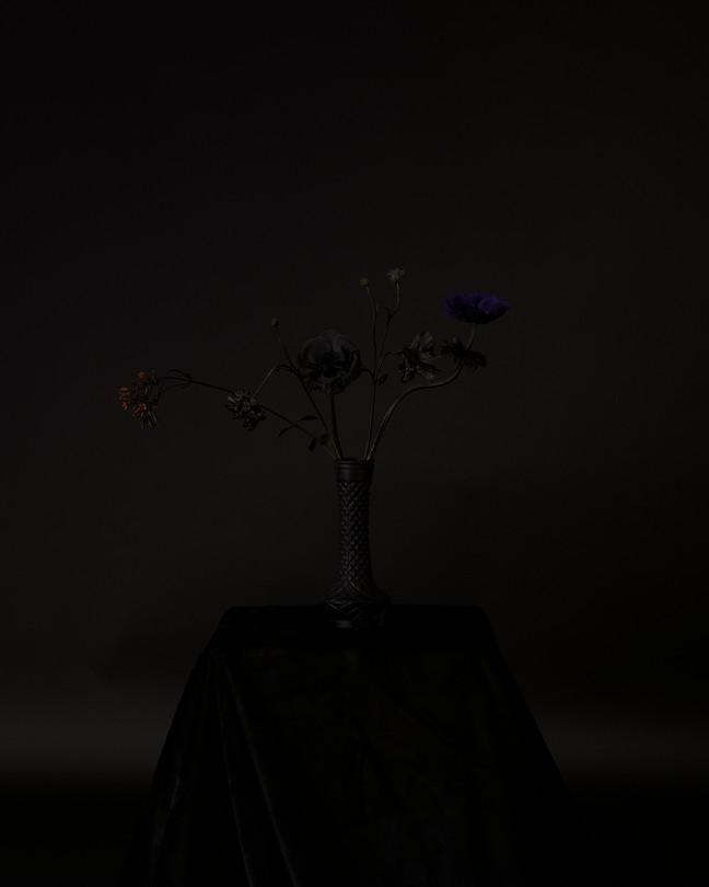 9 Black Memorabilia - Lee Sunjoo